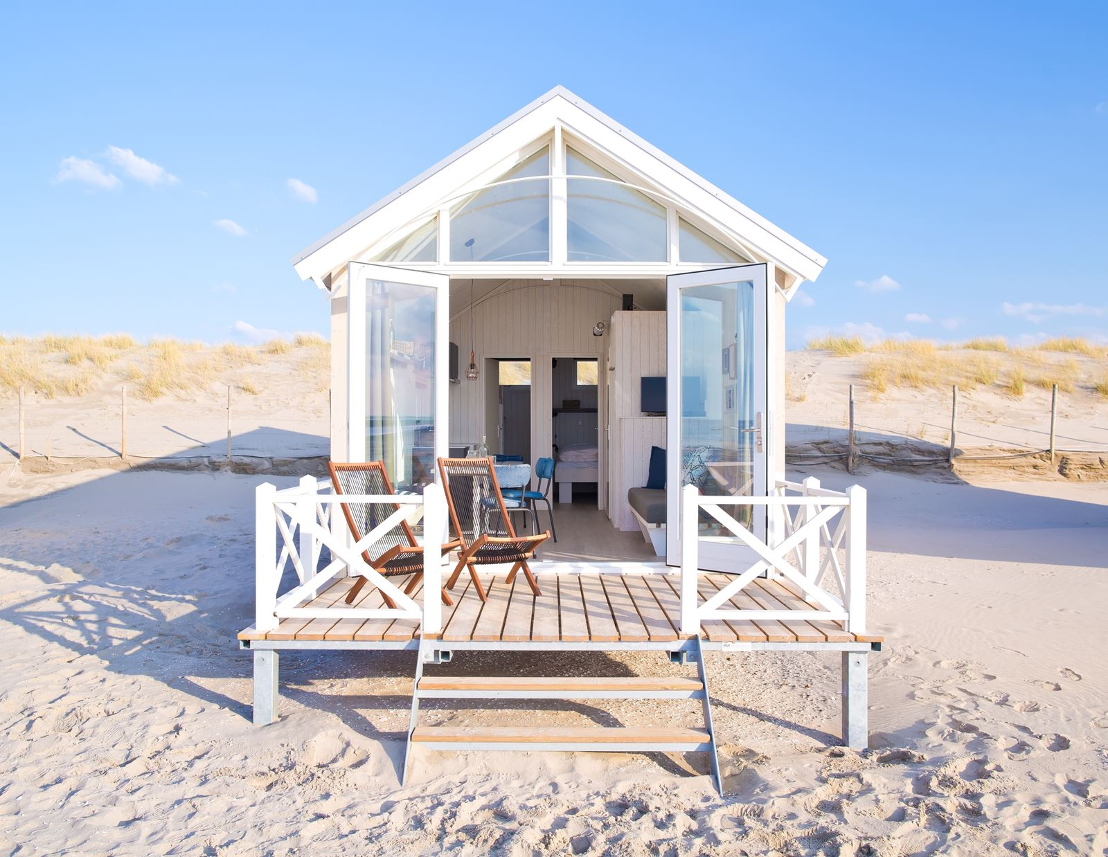 slapen op het strand op deze plekken in nederland kan dat. Black Bedroom Furniture Sets. Home Design Ideas