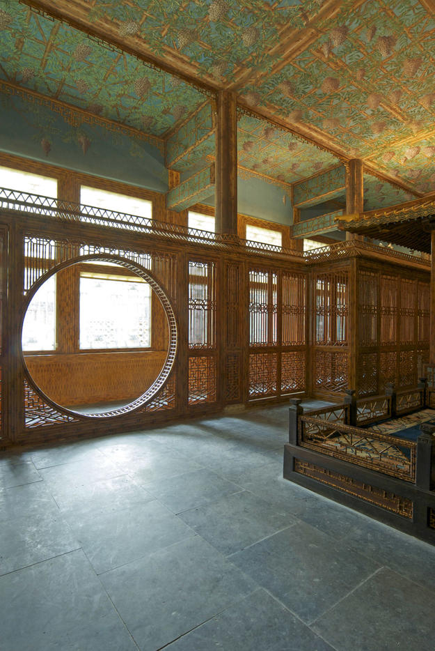 Country: China Site: Juanqinzhai Caption: Post-restoration theater room gate Image Date: 2008 Photographer: Jia Yue, Palace Museum Provenance: related to Scala book Original: from WMF to be filed