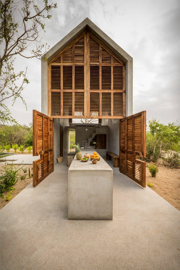 Casa-Tiny-with-Notched-Double-Doors-Opened